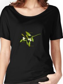 Kiss me mistletoe Women's Relaxed Fit T-Shirt