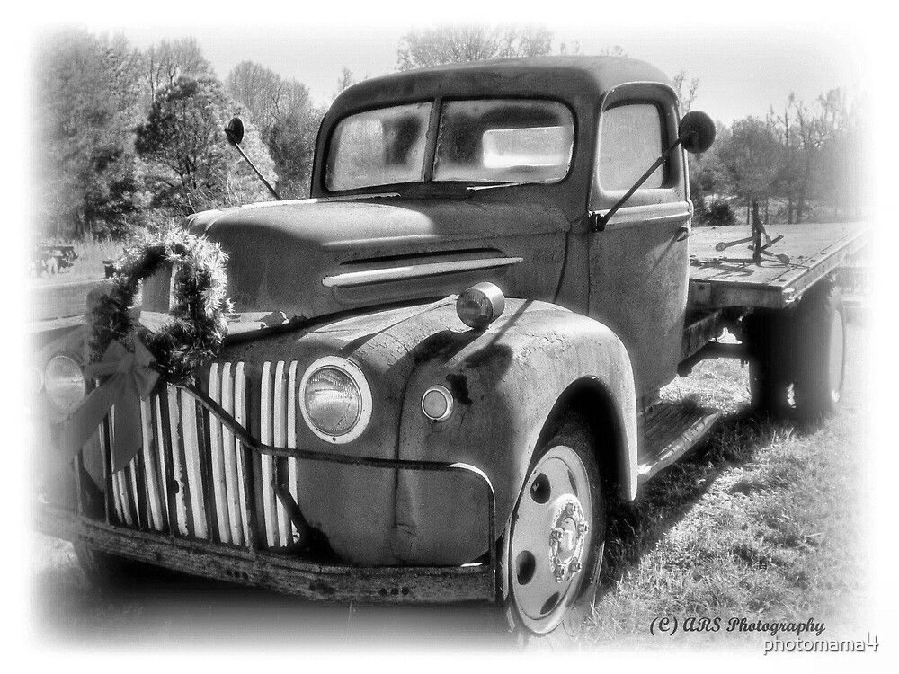 Christmas Truck B&W by photomama4