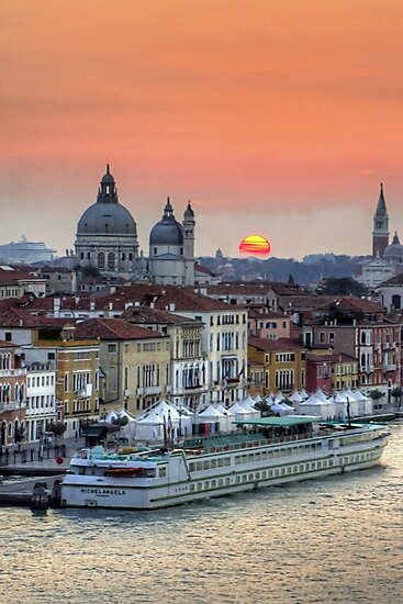Sunrise over Venice by Tom Gomez