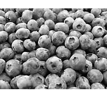 blueberries in black Photographic Print