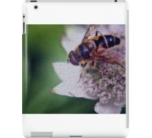 Macro Drone Flower B iPad Case/Skin