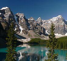 Moraine Lake, Valley of the Ten Peaks by Darbs