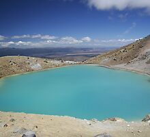 Blue Crater - Tongariro Crossing, New Zealand by Philip Wong