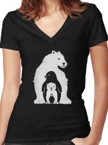 Arctic Friends Women's Fitted V-Neck T-Shirt