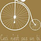 Dyke in white bike by pruine