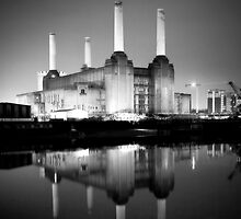 Battersea power station mono by Terence J Sullivan