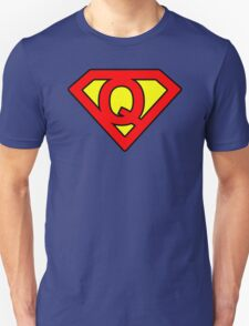 Q letter in Superman style T-Shirt