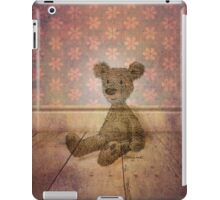 Barely There Bear iPad Case/Skin