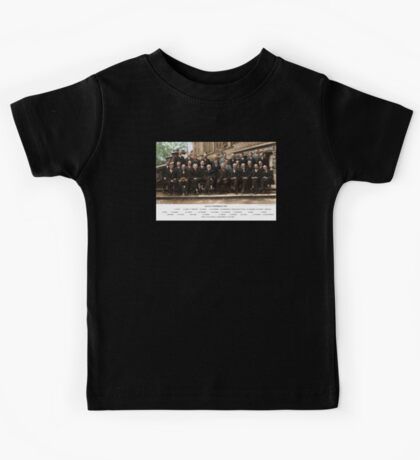 Colorized - Solvay Conference 1927. Einstein, Curie, Bohr and more. Kids Tee