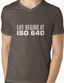 Life begins at ISO 640 Mens V-Neck T-Shirt