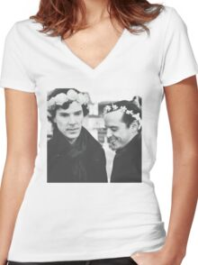 Sheriarty Women's Fitted V-Neck T-Shirt