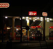 Empty Conoco Station by Jelderkc