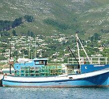 lobster boat, hout bay, sa by emem