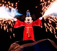 Sorcerer Mickey Fantasmic by zmayer