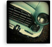 OLD CAR FRONT Canvas Print