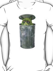 Grouchy Cat  T-Shirt