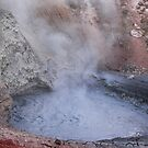 Hot crater by zumi