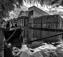 Oxford Canal by Gordon Maclaren