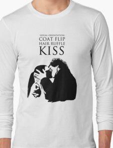 Sherlock and Molly Kiss Long Sleeve T-Shirt