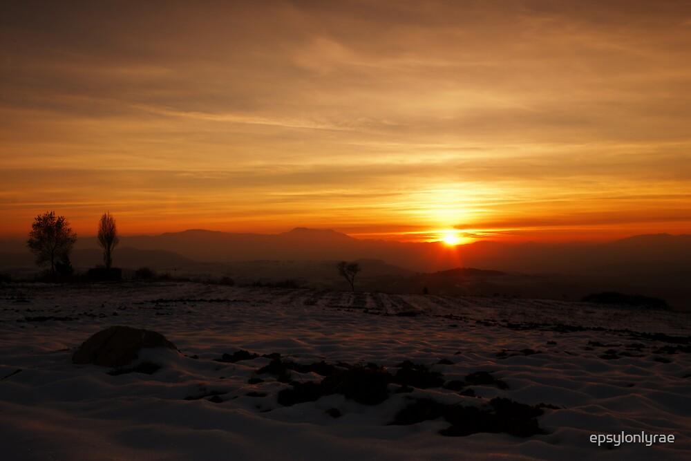 Winter sunset by epsylonlyrae