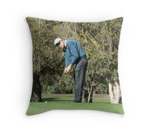"""putt"" Throw Pillow"