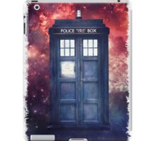 Police Blue Box Tee The Doctor T-Shirt iPad Case/Skin