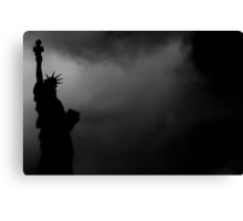 LIBERTY IN DARKNESS Canvas Print
