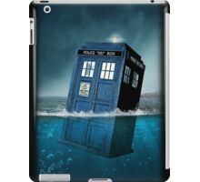 Blue Box in Water Hoodie / T-shirt iPad Case/Skin