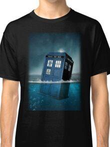 Blue Box in Water Hoodie / T-shirt Classic T-Shirt
