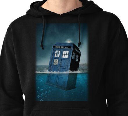 Blue Box in Water Hoodie / T-shirt Pullover Hoodie