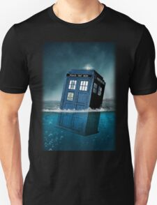 Blue Box in Water Hoodie / T-shirt Unisex T-Shirt