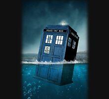 Blue Box in Water Hoodie / T-shirt Hoodie
