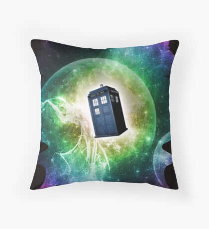 Universe Blue Box Tee The Doctor T-Shirt Throw Pillow