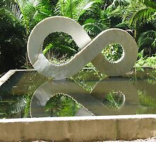 sculture of infinity Botanic Gardens QLD AU by Jeannine de Wet