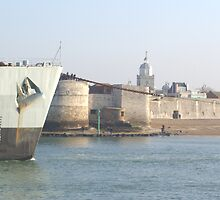 HMS Fearless leaving Portsmouth Harbour, never to return by tilly