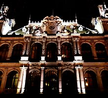 Chambre d'industrie et de commerce by night, in Lyon by Margotte