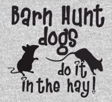 Barn Hunt dogs do it in the straw! by littleredrosie