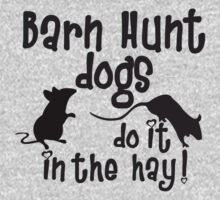 Barn Hunt dogs do it in the straw! by littleredrosie