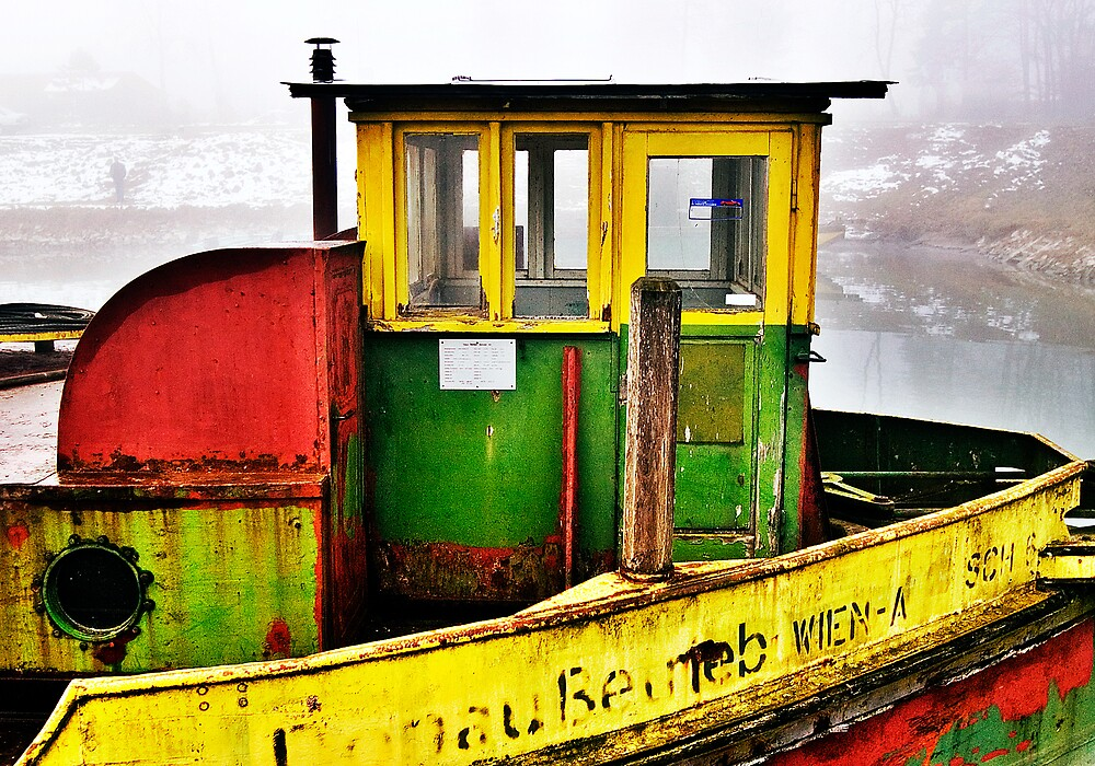 Rusty Ship by niklens