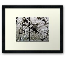 Hulk smash Framed Print