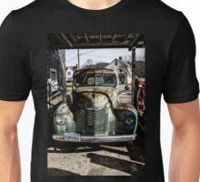 Vintage International pickup truck Unisex T-Shirt