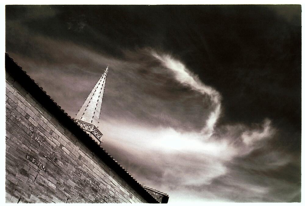 Arles Sky by ragman
