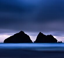 Holywell Bay III by Tom Black