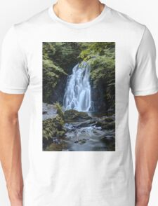 Waterfall Print (3) / Lovely Photo of a waterfall in Ireland Unisex T-Shirt