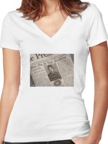 Never Kill A Boy on the First Date - BtVS Women's Fitted V-Neck T-Shirt