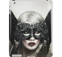 Zoe Harlotta - Queen of Birds 1 iPad Case/Skin