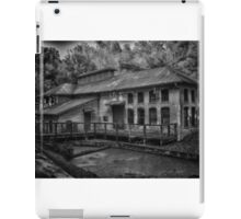 Black and White building iPad Case/Skin