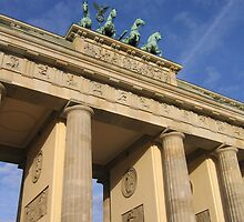 Brandenburg Gate (German: Brandenburger Tor) by BrendanBurns