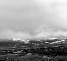 Snowy Mountains Panorama by James Thomas