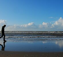 Risking wet feet on the North Sea beach by jchanders